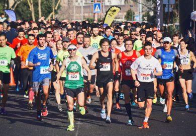 Parkour – miejskie biegi, skoczność i gibkość