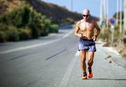 Bieg tempowy a interwałowy